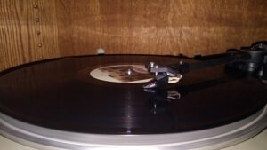 what is the best way to clean old vinyl records