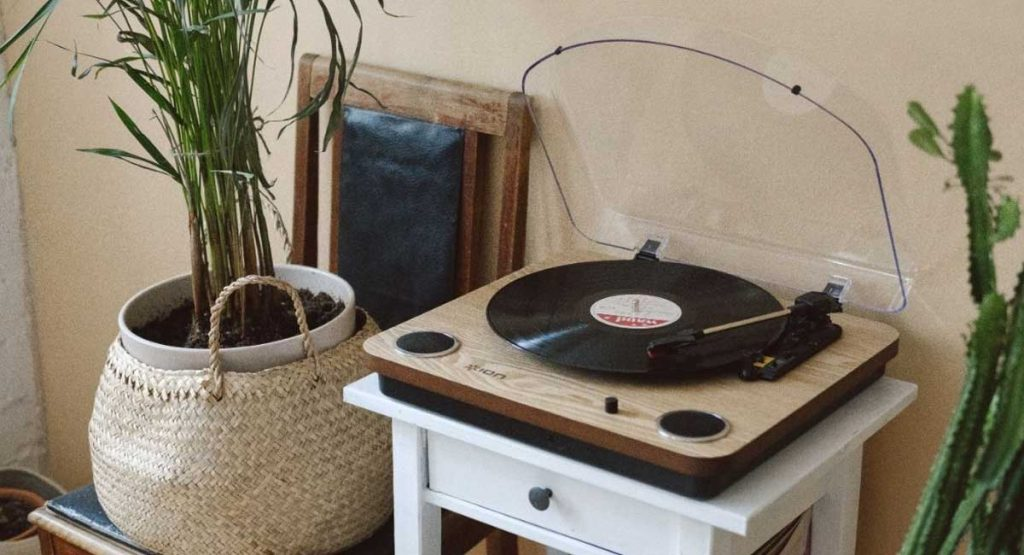 Record Player vs Turntable