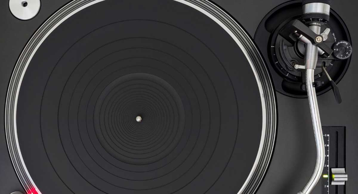 5 of the Best Turntable Platter Mat Options For Your Money