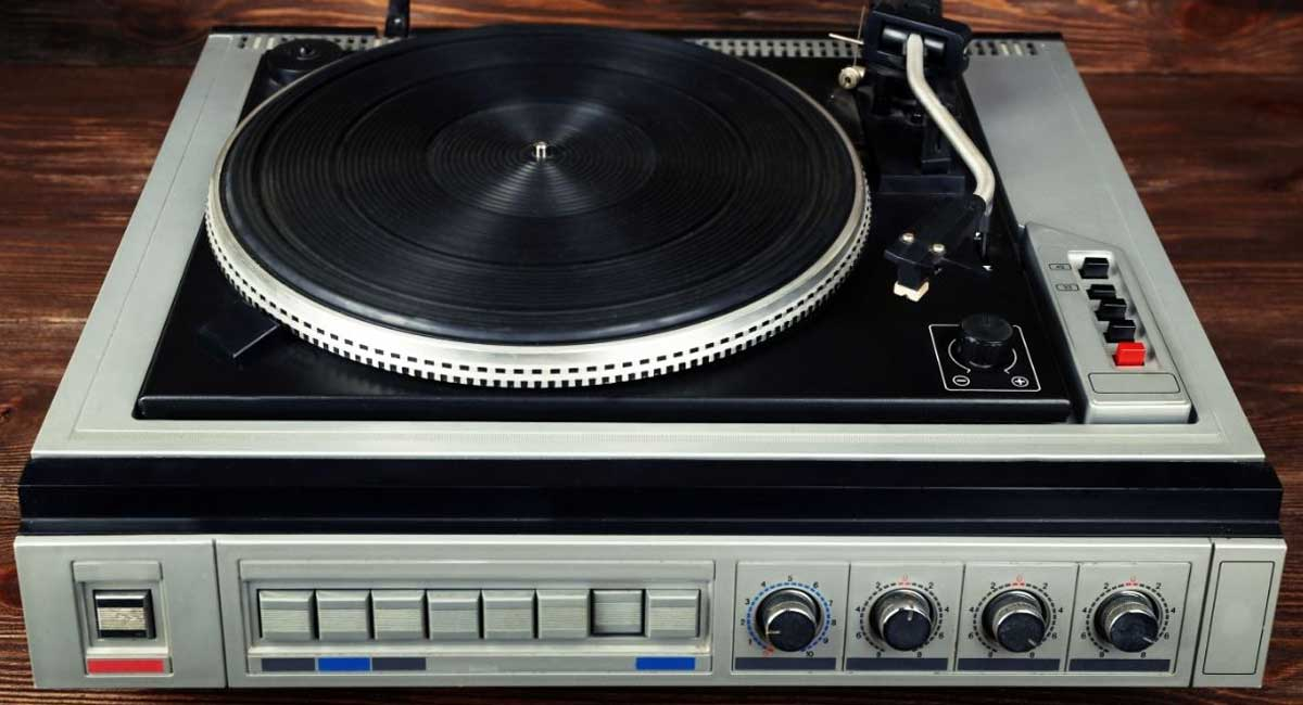 The Best Audiophile Turntable Under $500 [2021]